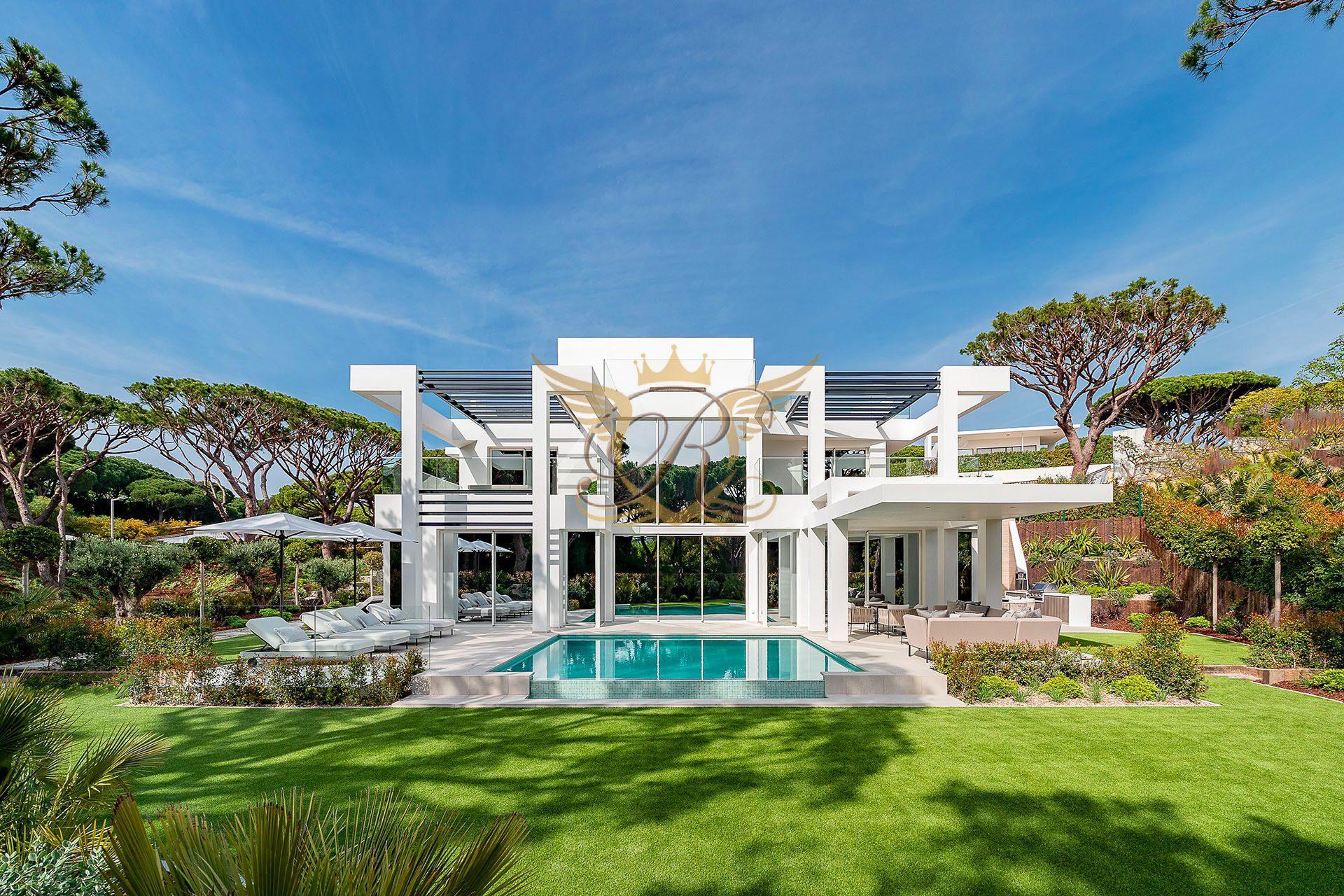 Luxury Villa for Sale in Vale do Lobo   5 bedrooms