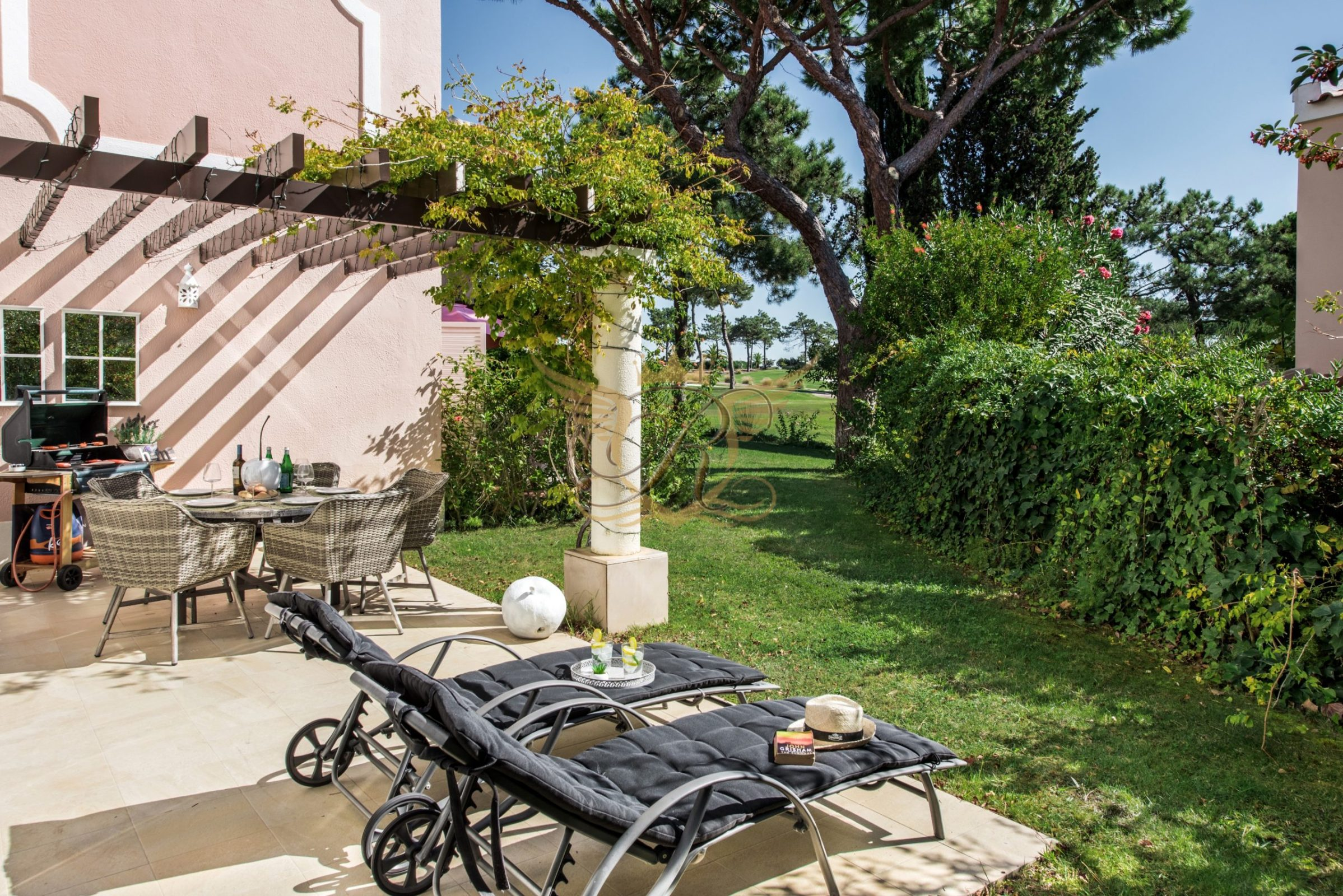 Luxury Townhouse for sale in Quinta do Lago | 2 Bedrooms