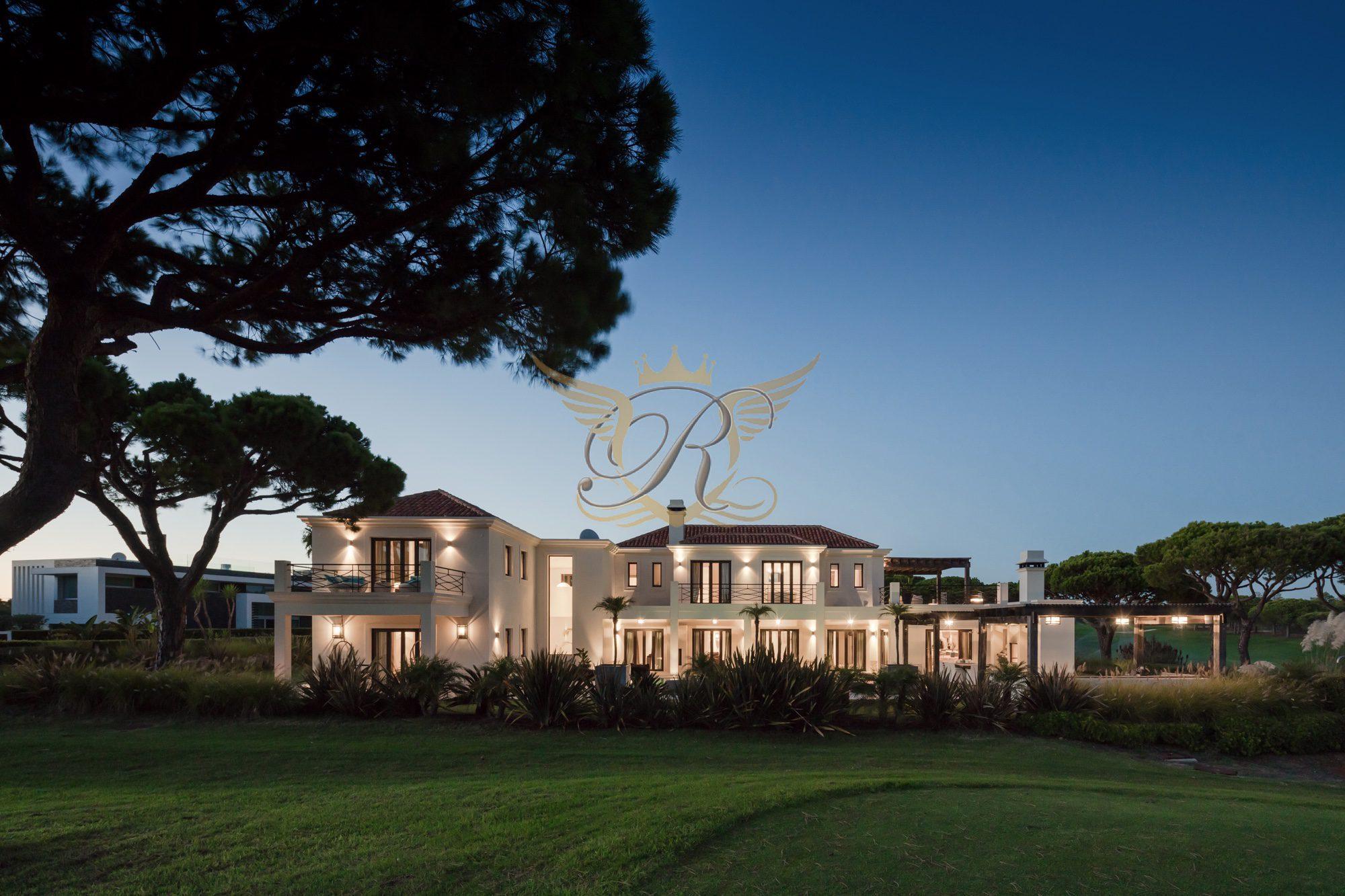 Luxury Villa for sale in Vale do Lobo   6 Bedrooms
